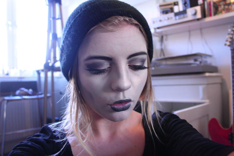 Basic female HStroll makeup test by YouBuryMe