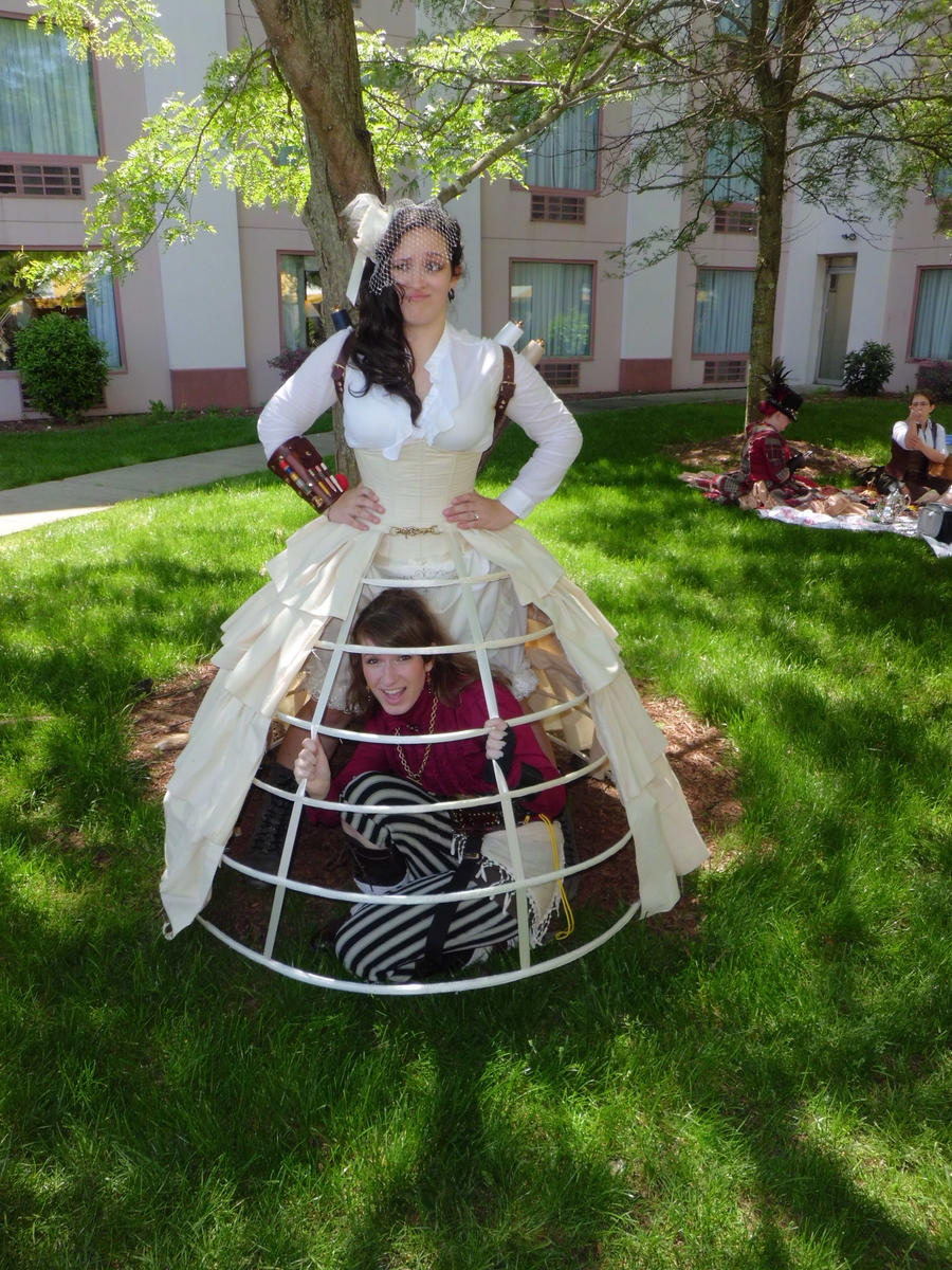SPWF 2012 - Seamstress and Lydia 2 by LadyduLac
