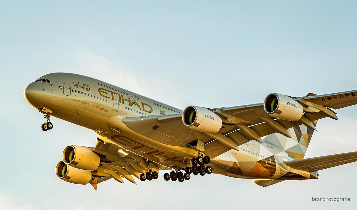 Etihad A380 A6-APE by tigerjet