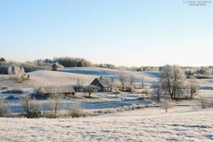 Frosty hills by ljenda
