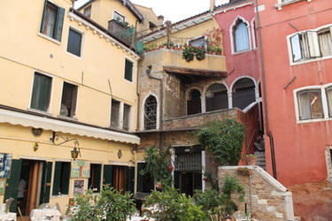 Small courtyard in the center of Venice