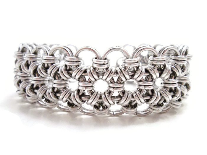 Japanese lace bracelet - Japanese 12 in Chainmail by SerenityinChains