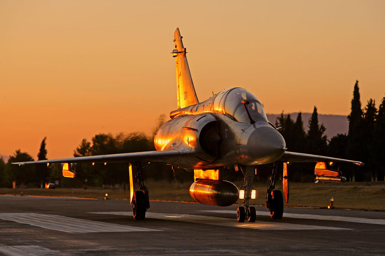 Hellenic Airfoce Mirage 2000 by rOEN911