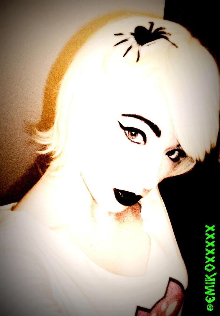Roxy for Halloween? by Pazzzzzzzz