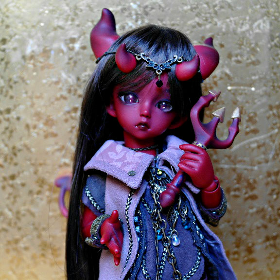RED DEVIL GIRL by Atelier-Cynamon