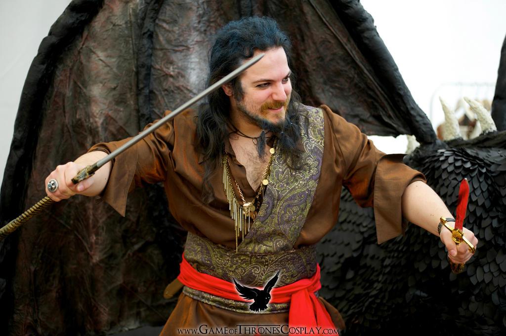 FARK.com: (8212373) The season premiere of Game of Thrones ... Daario Naharis Book