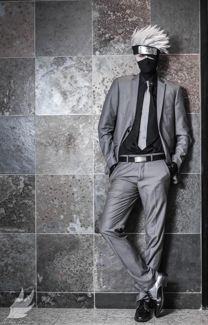 Looking sharp by Suki-Cosplay