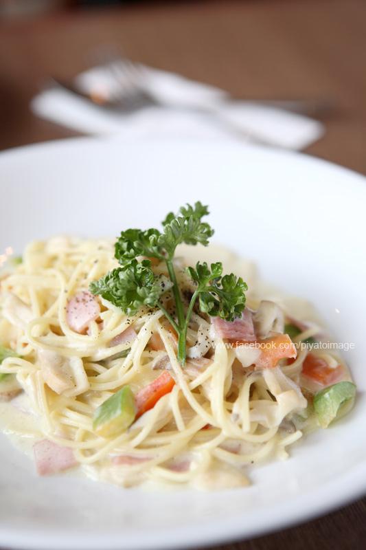 Spaghetti white sauce by piyato