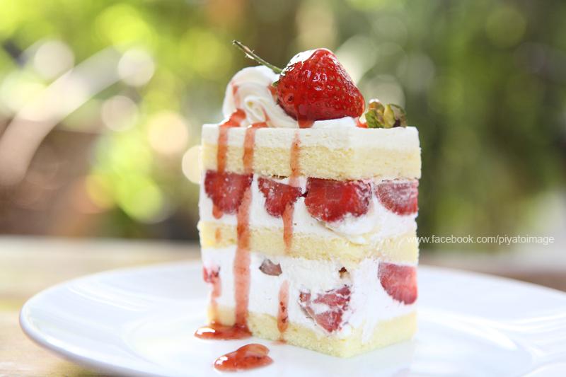 Strawberry Cake by piyato
