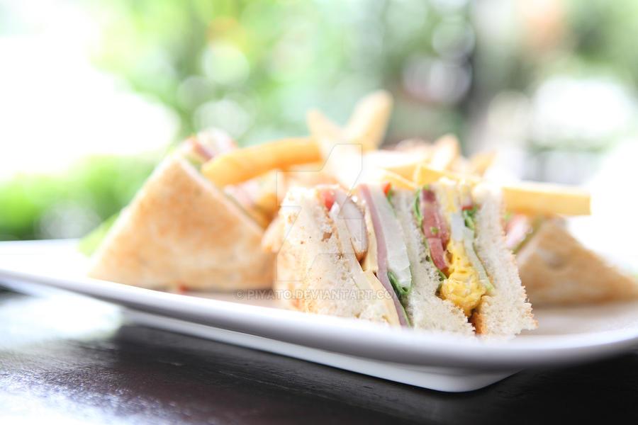 Club sandwich by piyato