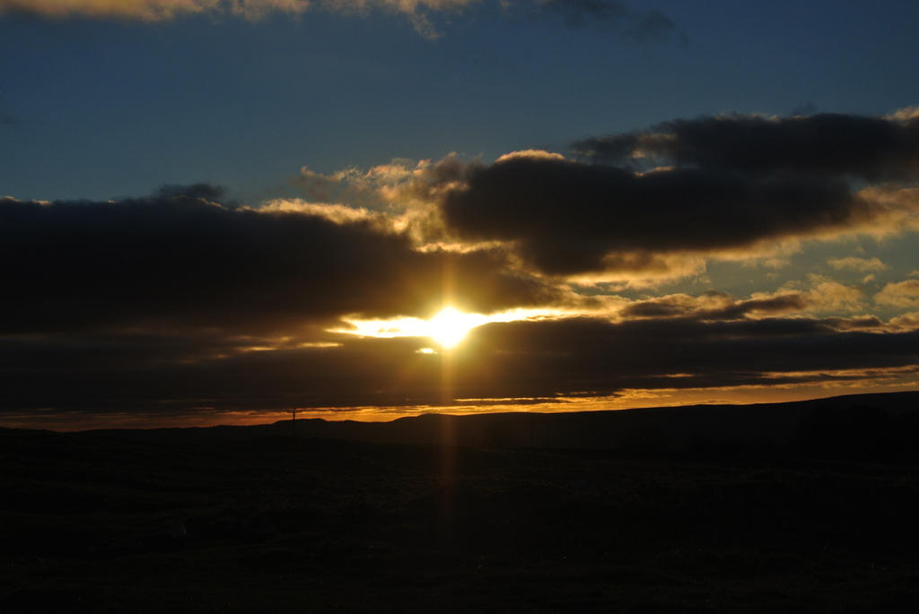 Sunset in Yorkshire by EmsVlis