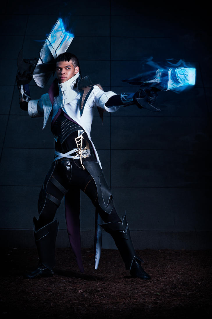 Lucian The Purifier Cosplay by Winged-Mouz