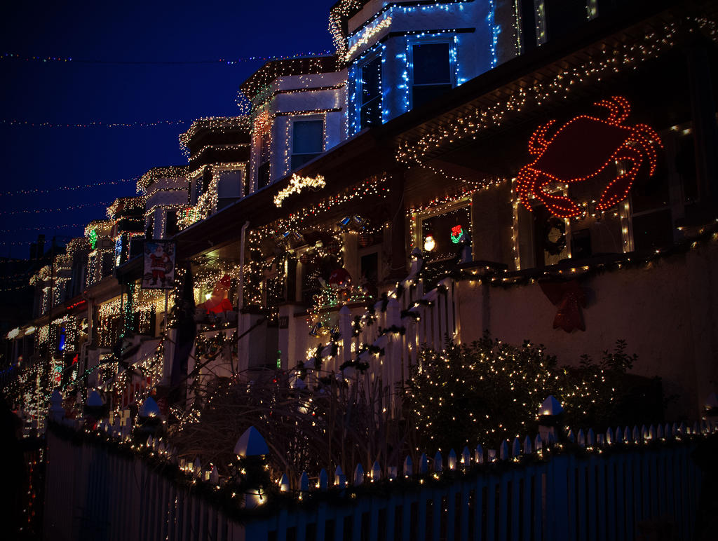 34th Street Christmas Lights by Hertz18360