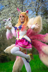 Ahri Star Guardian cosplay by Bahamut95