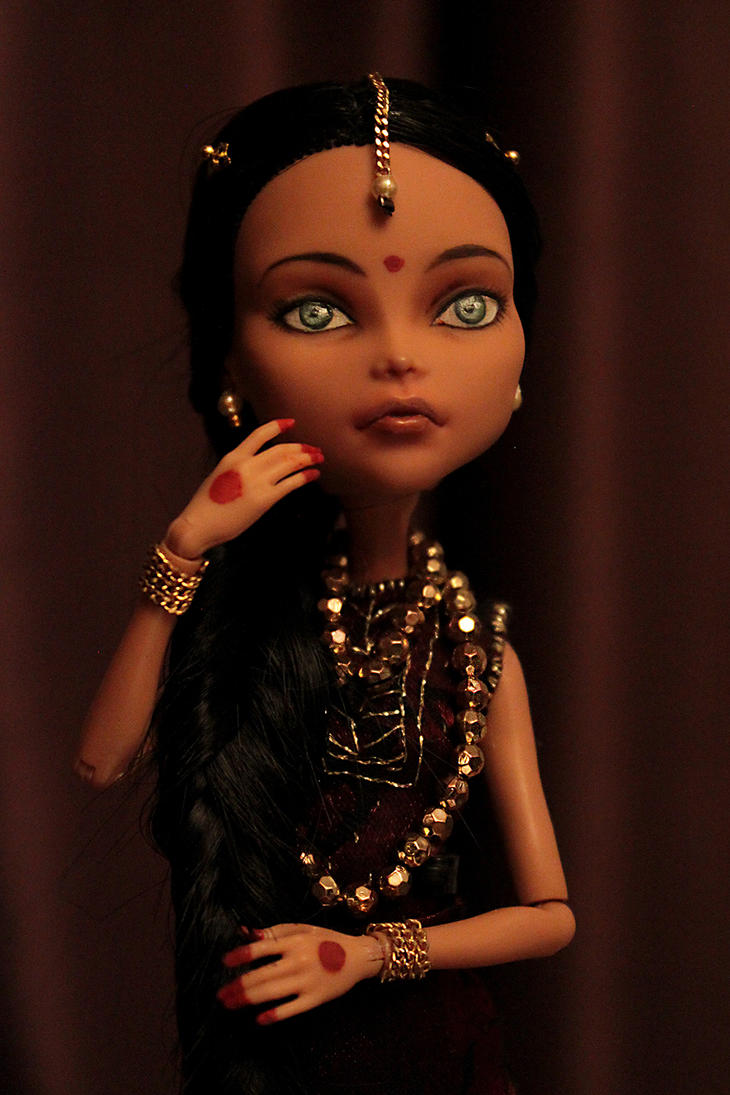 Indian Beauty by sparkling-mica