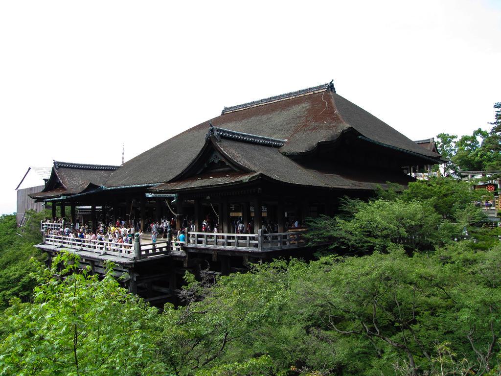 kiyomizu-dera 3940 by FubukiNoKo