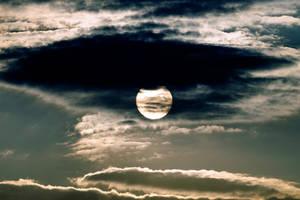 Solar Peek-a-Boo by ChrisNs