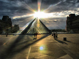 Musee du Louvre by NewBelgrade