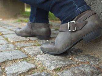 Try walking in my shoes by Merkosh
