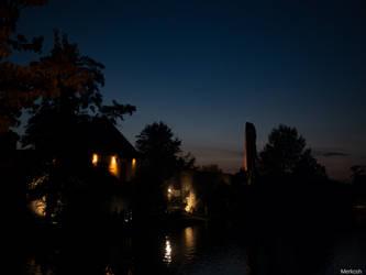 Nacht ueber der Burgruine by Merkosh