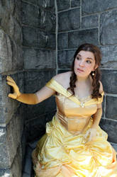 Princess Belle Cosplay - Beauty, but a Funny Girl