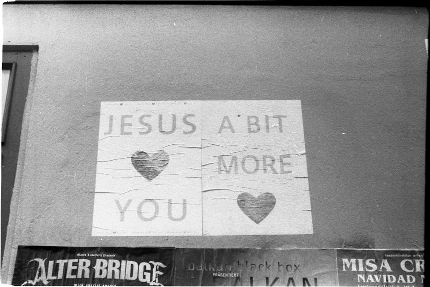 jesus loves you by juhudora