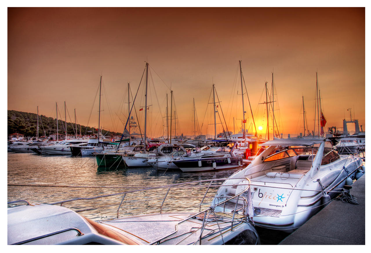 A Touch of the Burning Red Sunset HDR by ISIK5