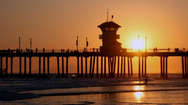 Huntington Beach Pier by daniecex