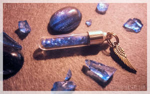 <b>COMM : Blue Crystal Bottle For BluestFlames</b><br><i>Tayga-Crafts</i>