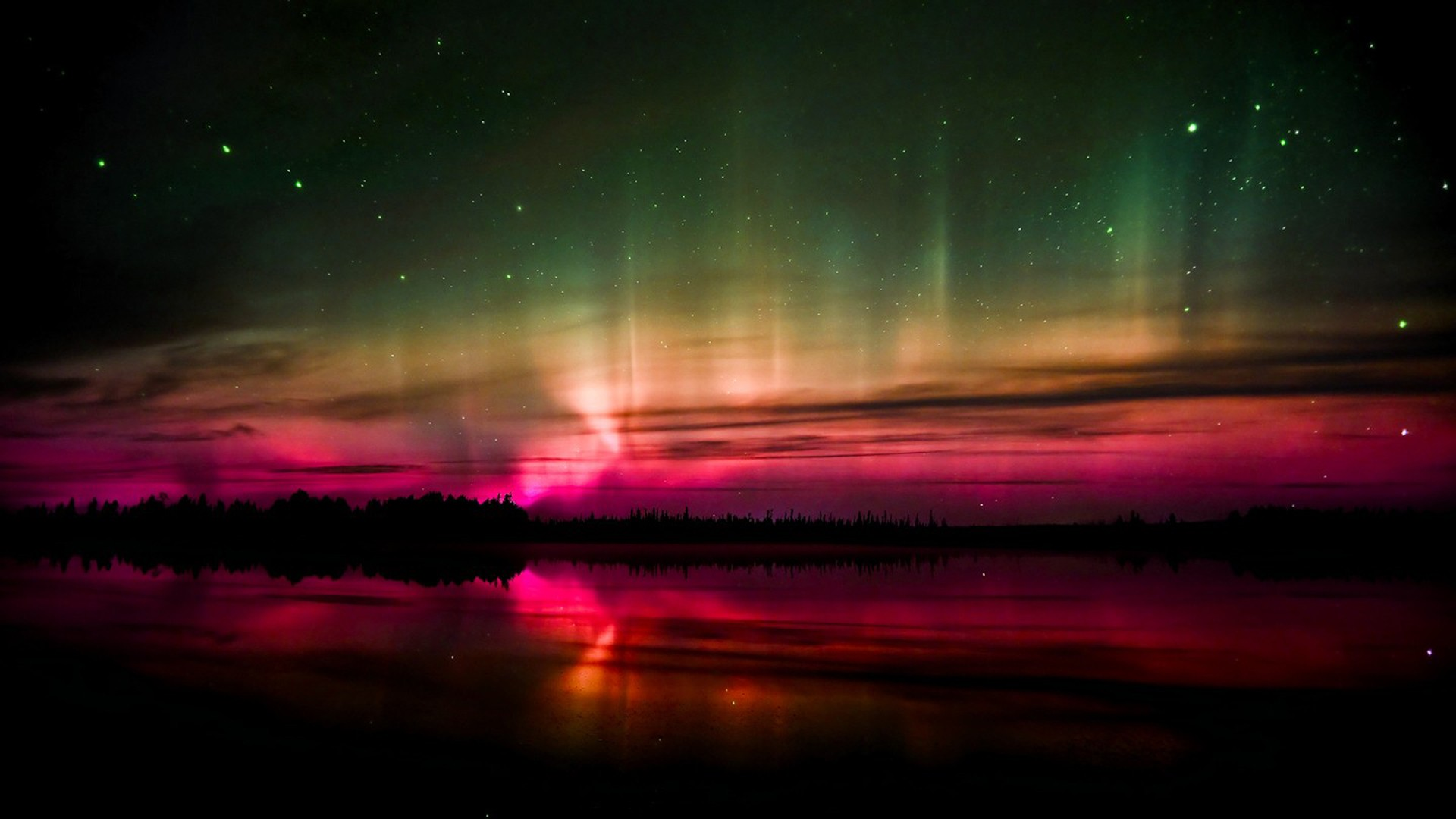 Nothern Lights (Red Aurora) by onlyouniverse