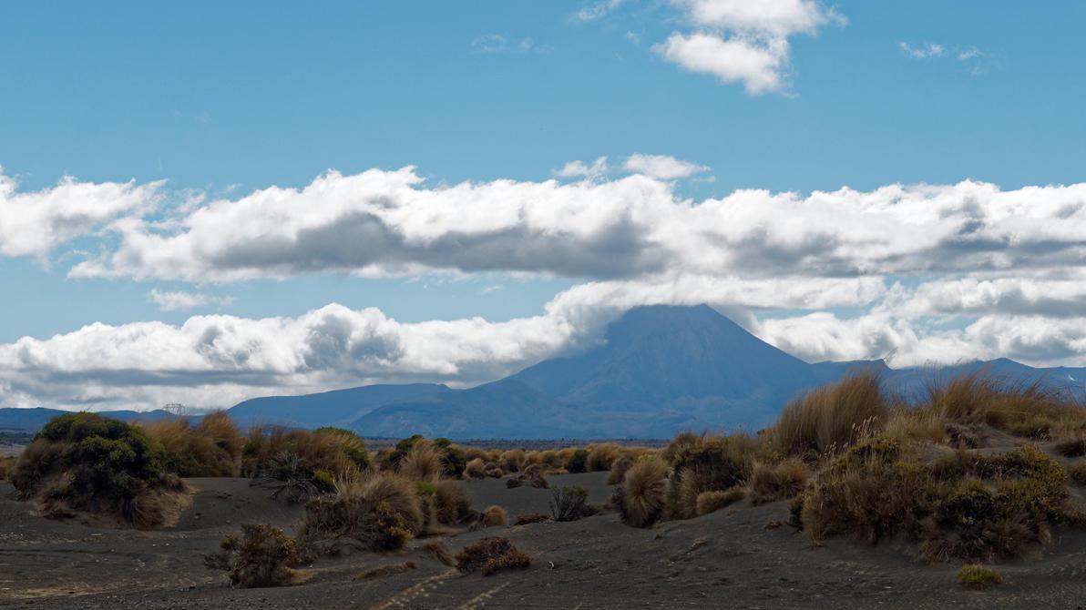 Mount Ngauruhoe aka Mount Doom by Deceptico