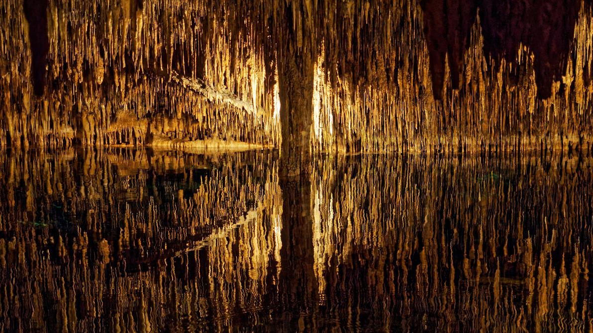 Cuevas del Drach by Deceptico