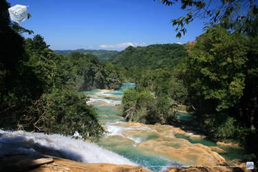 Agua Azul Upper view by aladecuervo