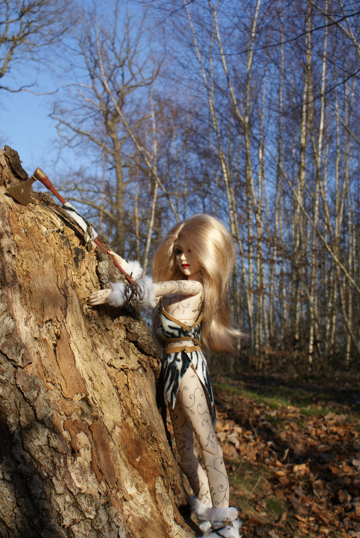 Climbing by beedoll