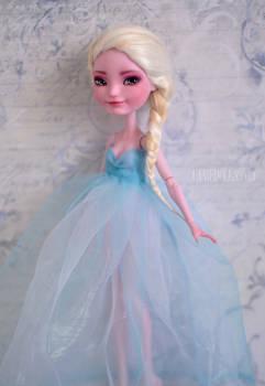 Queen Elsa |FROZEN | OOAK Custom Farrah Goodfairy