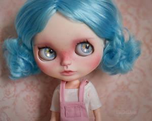 Linna (OOAK Custom Blythe doll)