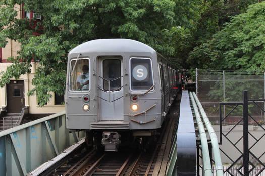 Shuttle train arriving at Park Place