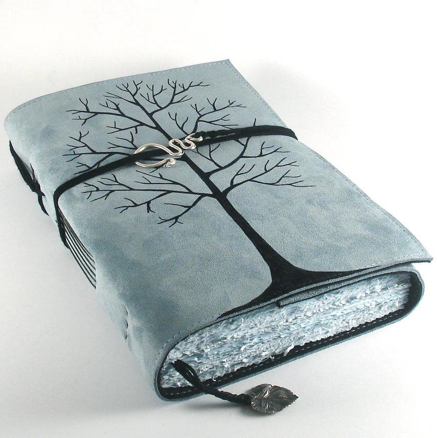 Big Winter Tree by kreativlink