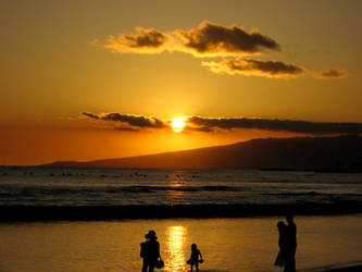 Sunset in Waikiki, Oahu, Hawaii by Delmne