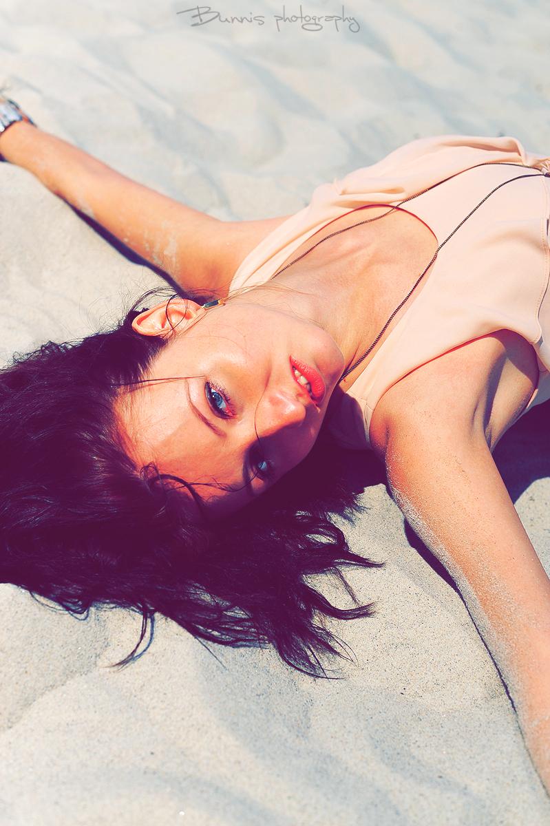 Hot summer days. by Bunnis