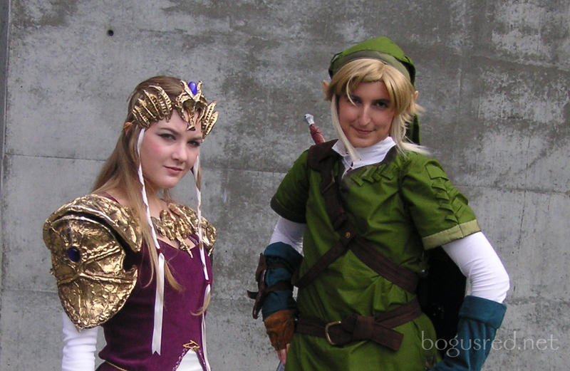 Cosplay Link - with Zelda by BogusRed