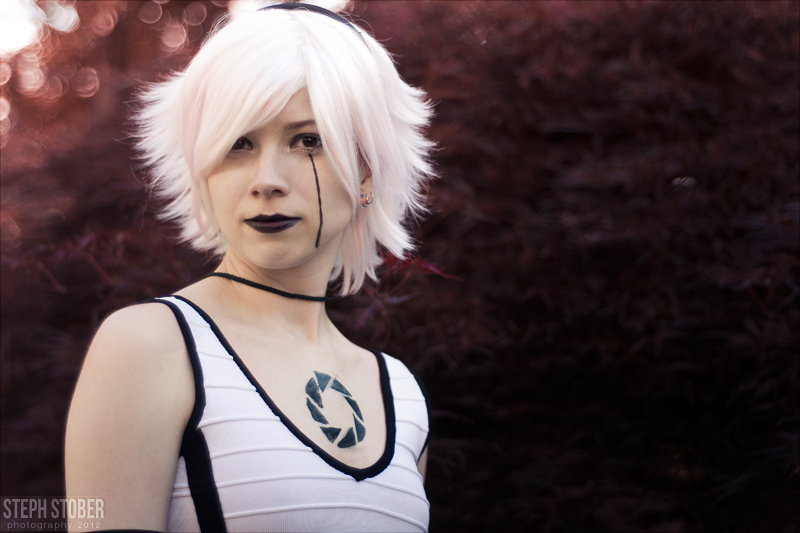 AnimeNEXT 2012: GLaDOS by skwinkography