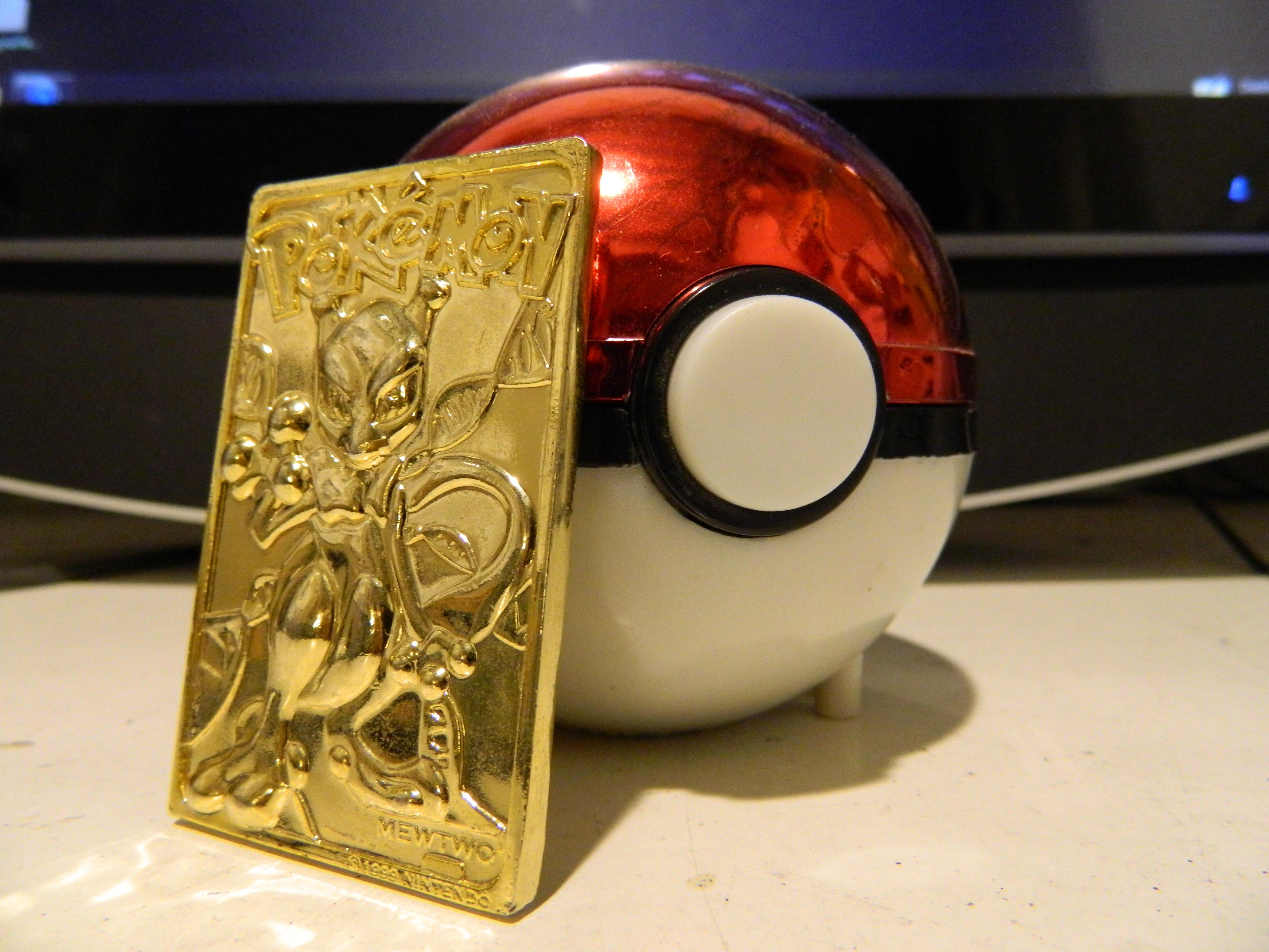 Pokemon Ball Fast Food Keychain