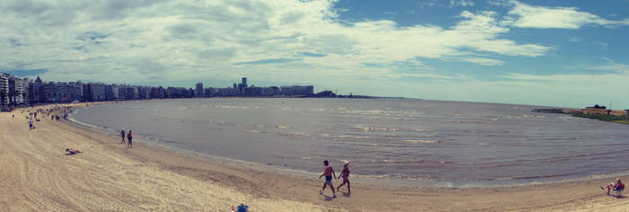Playa de Pocitos, Montevideo. UY