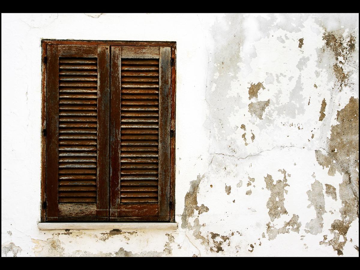 Prozori koji govore Brown_window_by_awjay