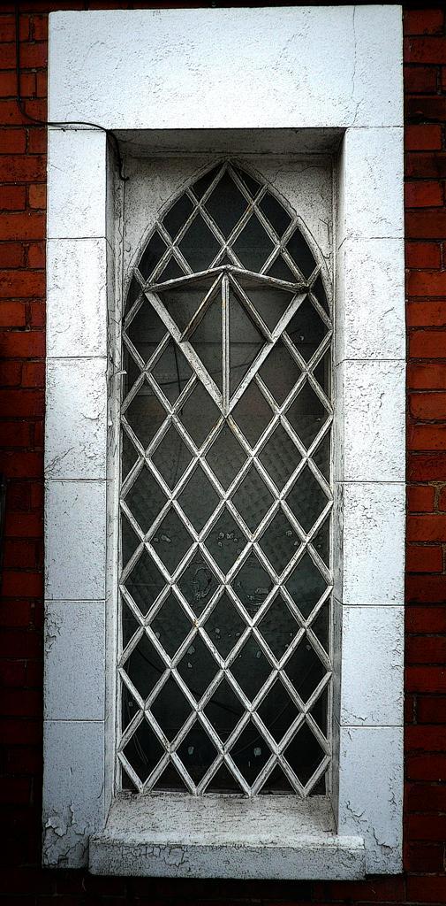 Criss Cross Window By Awjay