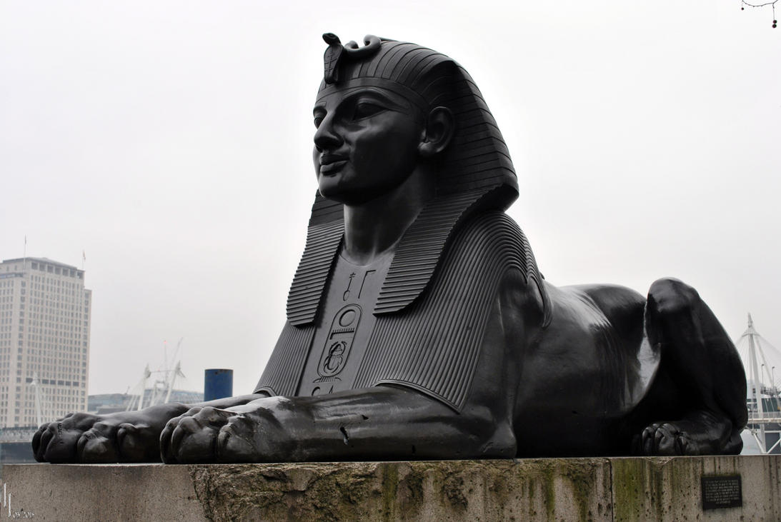 Sphinx of London by LuceamLuceo