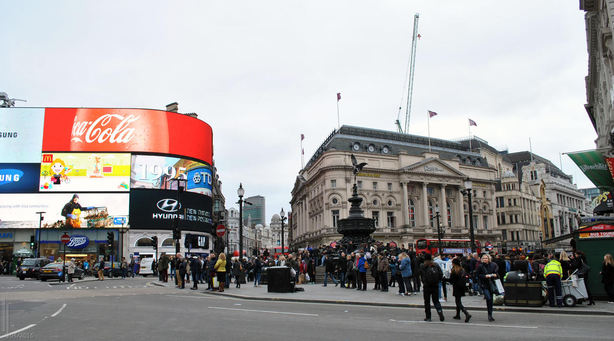 Piccadilly by LuceamLuceo