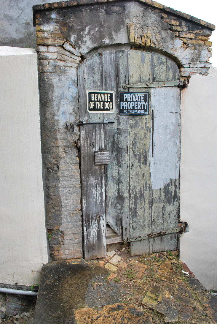 private property - beware of the dog - door by meihua-stock