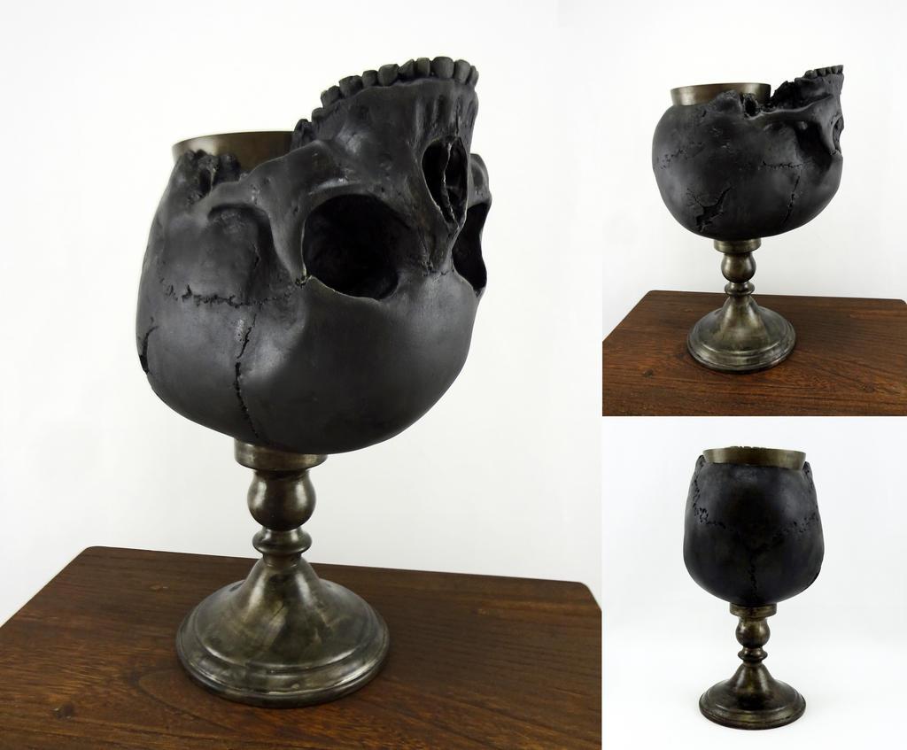 Blackened skull goblet by Koreena
